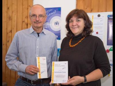 Hans Münchmeyer und Eva Spaniol stellen den Kurs vor
