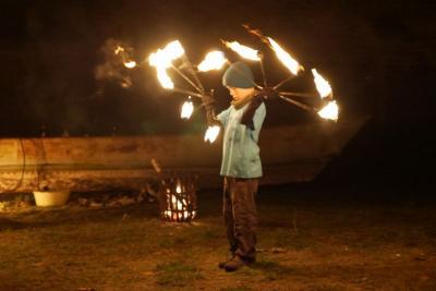 Foto zur Meldung: St. Martinsfest mit Schattentheater und Feuershow