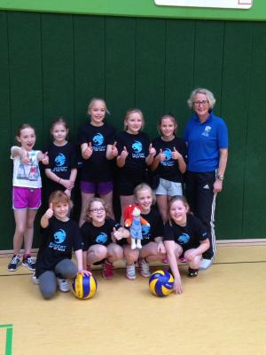 Foto zur Meldung: Erste große Turnierteilnahme für die jungen Volleyballerinnen aus Elsdorf!