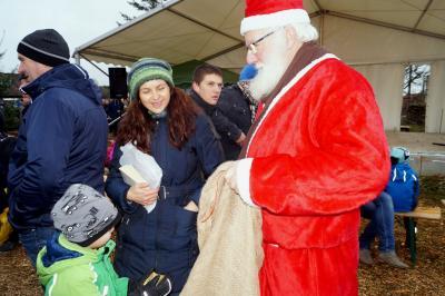 Foto zur Meldung: 10.Kämmericher Weihnachtsmarkt 2016