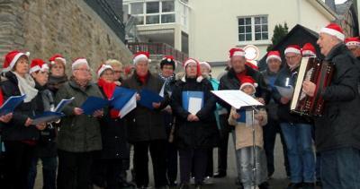 Foto zur Meldung: Ortsgemeinde: Adventszeit in Burgschwalbach Märchenhafter Weihnachtsmarkt