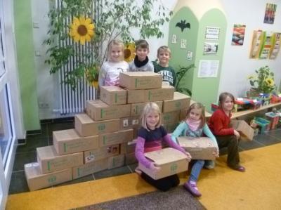Foto zu Meldung: Paketaktion Kinder helfen Kindern