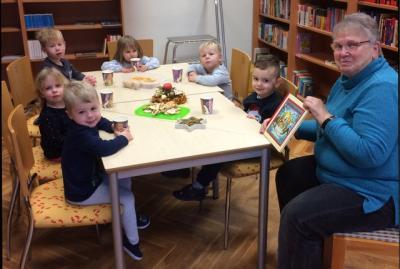 Foto zur Meldung: Weihnachtsgeschichten in der Bibliothek