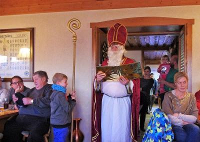 Foto zur Meldung: Gelungene Weihnachtsfeier bei den SV – Junioren