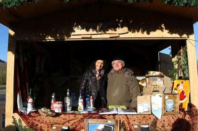 Foto zur Meldung: Sechster Weihnachtsmarkt trotz frostiger Temperaturen ein Erfolg