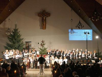 Foto zur Meldung: Vorweihnachtliches Singen und Musizieren