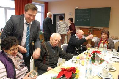 Foto zur Meldung: Besinnliche Adventfeier der Moosbacher Senioren