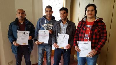 Foto zur Meldung: Junge Flüchtlinge meistern erfolgreich Deutschkurs