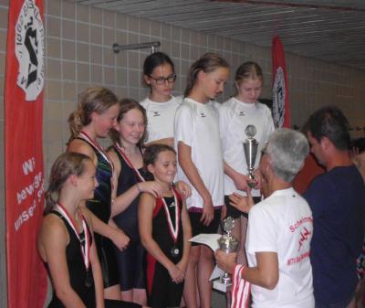 Foto zur Meldung: 60. Herzog-Ludolf-Schwimmfest: MTV-Mädchen dominieren die Staffelwettbewerbe