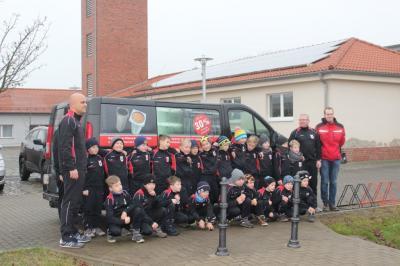 Foto zur Meldung: Neue Trainingsanzüge für unsere F-Junioren
