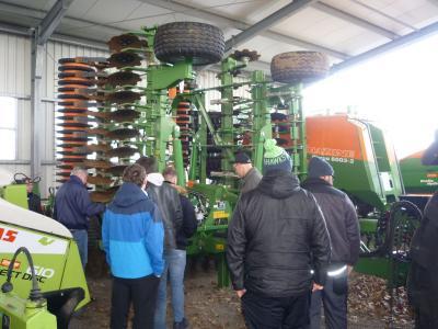 Foto zur Meldung: Exkursion der LW2 zu Claas-Landtechnik in Schmarsow