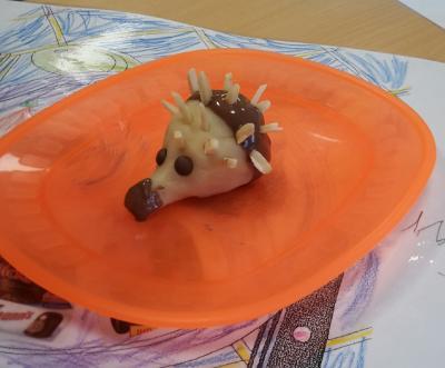Vorschaubild zur Meldung: Marzipan-Igel