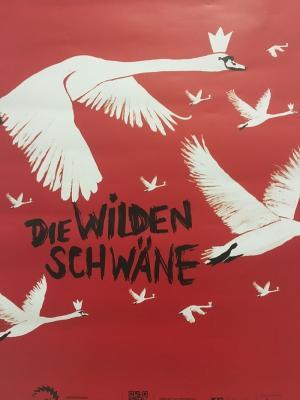 Foto zur Meldung: Die wilde Schwäne: MCS im Kresch-Theater Krefeld