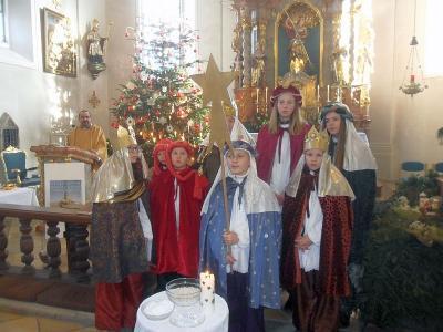 Foto zur Meldung: 6 Sternsingergruppen der Pfarrei Prackenbach-Krailing sammeln 2.778 Euro
