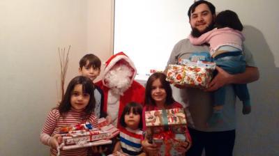 Vorschaubild zur Meldung: Rückblick: Der Weihnachtsmann bei den Asylbewerbern