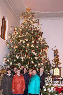 Foto zur Meldung: Ein herrlicher Weihnachtsbaum in der Schlosskirche