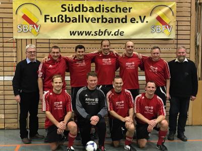 Foto zur Meldung: Ü-35 Mannschaft des SV Großschönach ist Futsal-Bezirksmeister