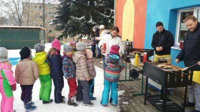 Foto zur Meldung: Buratinos beim Wintergrillen