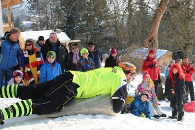 Foto zur Meldung: Faschingsschlittenrennen des SV war ein Riesen Erfolg