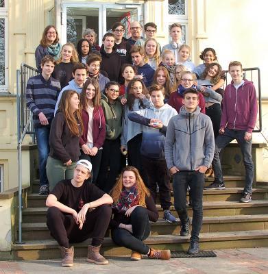 Foto zur Meldung: Nicht ohne uns! Schülervertreter*innen diskutieren und planen in der Villa