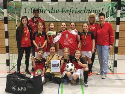 Foto zur Meldung: U-11-Mädels schnappen sich die Oberfränkische Meisterschaft im Hallenfußball