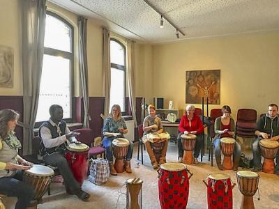 Vorschaubild zur Meldung: Trommel Workshop