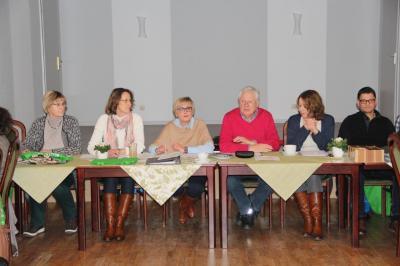 Der Vorstand ist bereit, die Jahreshauptversammlung kann beginnen.