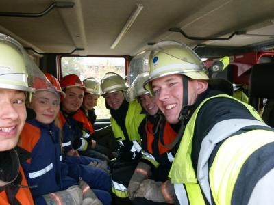 Foto zur Meldung: Ausbildungsbeginn bei der Feuerwehr Happing