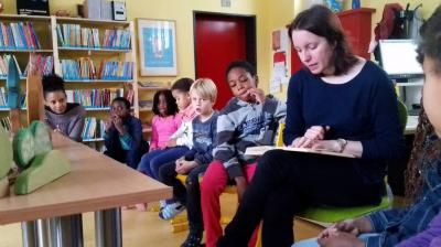 Vorschaubild zur Meldung: Vorlesetag -November 2016 - Hänsel und Gretel - Klasse 2d