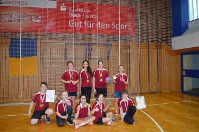 Vorschaubild zur Meldung: Kreisfinale Jugend trainiert Handball WK IV w in Lübbenau