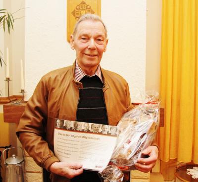 Foto zur Meldung: Reimer Saggau 40 Jahre dabei