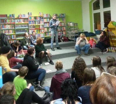 """Foto zur Meldung: """"Rosenkrieg"""" in der Stadtbibliothek Falkensee"""