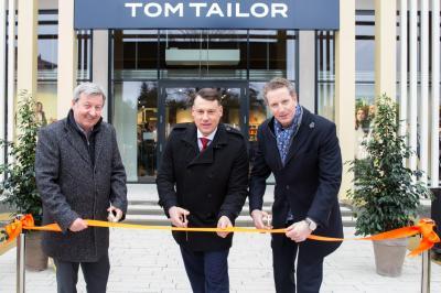 v. l. Andreas Siegel, Christoph Schmidt und Sebastiano Jaksetich eröffneten gemeinsam das neue Geschäftshaus