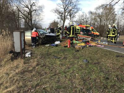 Vorschaubild zur Meldung: Einsatz 54/2017  -  Verkehrsunfall mit 3 eingeklemmten Personen