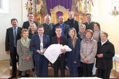 Foto zu Meldung: Andreas Eckl empfing das Hl. Sakrament der Taufe