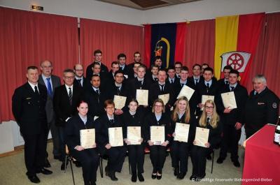 Die beförderten Kameradinnen und Kameraden anlässlich der gemeinsamen Jahreshauptversammlung der Feuerwehr Biebergemünd
