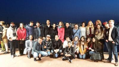 Foto zu Meldung: Besuch der Elbphilhamonie mit Flüchtlingsgruppe