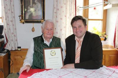 Foto zu Meldung: Prackenbach´s ältester Gemeindebürger feierte sein 98. Wiegenfest