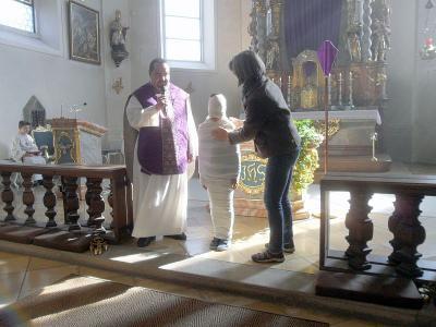 Foto zur Meldung: Zeichenpredigt zu Lazarus am Passionssonntag