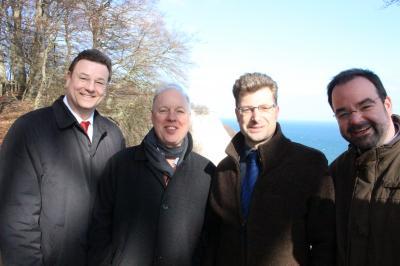 Vorschaubild zur Meldung: Gesandter der US-Botschaft besucht den Nationalpark Jasmund