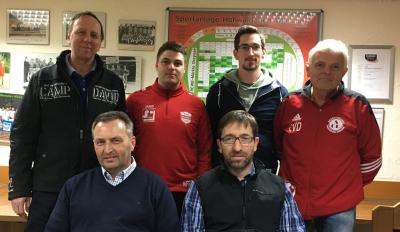 Zur Unterzeichnung der JSG-Vereinbarung trafen sich jetzt stehend v.l. Lothar Kölsch und Florian Holdinghausen (TuS Wilnsdorf/W.), Patrick Bätzel und Klaus Krämer (Spfr. Obersdorf/R.) sowie vorne v.l. Martin Klöckner und Harald Neuser (VfB Wilden)
