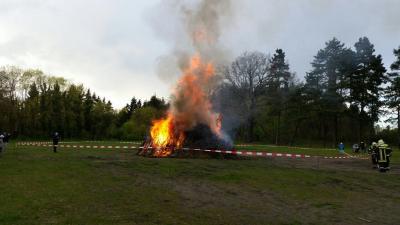 Vorschaubild zur Meldung: Osterfeuer 2017