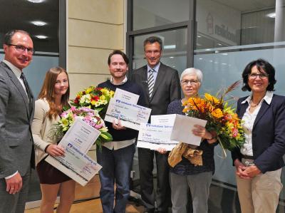 Gratulanten und Gewinner (v.li.): Thomas Stauber, Jenny Griebel, Dirk Wittmann, Jürgen Strohmaier, Esther Kippe, Angelika Banzhaf. Foto: Helmut Voith