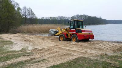 Vorschaubild zur Meldung: Saisonvorbereitung am Klessener See