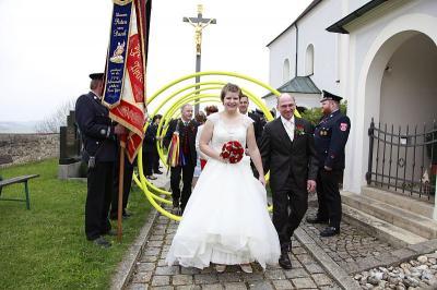 Foto zur Meldung: Hochzeitsglocken läuteten für Karin und Günther