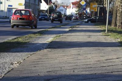 Vorschaubild zur Meldung: August-Bebel-Straße gesperrt zwischen Alte Langewahler Chaussee und Bahnhofstraße