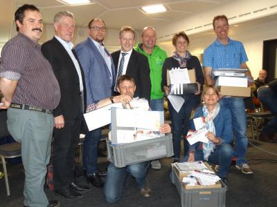 Übergabe der Unterschriften PK 22.4.2017 in Güttingen