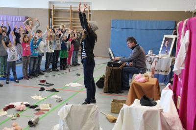 Foto zur Meldung: Klaviertheater SANTA