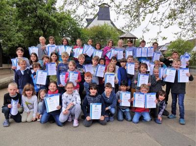 Foto zur Meldung: 2. Platz beim Schwimmturnier der Kaarster Grundschulen