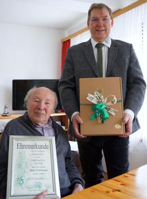 Vorschaubild zur Meldung: Hans Friedmann für 70jährige Mitgliedschaft  und  Hannelore Siegler für 40jährige Mitgliedschaft im MTV Freiheit geehrt
